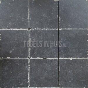 Vloertegel belgisch hardsteenlook zwart 20x20cm getrommeld