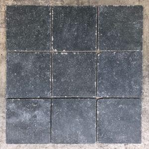 Vloertegel new belgium stone hardsteen look zwart 20x20cm getrommeld