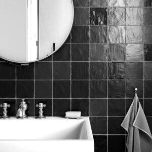 Wandtegel 10x10 zwart handvormlook zwart